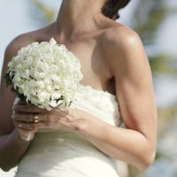 fiji-wedding-bouquet-white