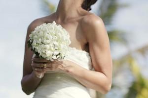 fiji-wedding-bouquet-white