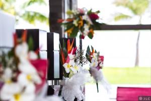 fiji-wedding-flowers-for-aisle