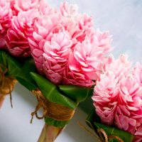 fiji-wedding-flowers-pink