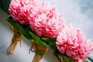 fiji-wedding-flowers-pink
