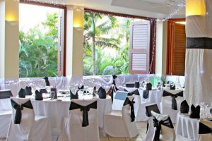 Outrigger Fiji Beach Resort – Palm Terrace Reception